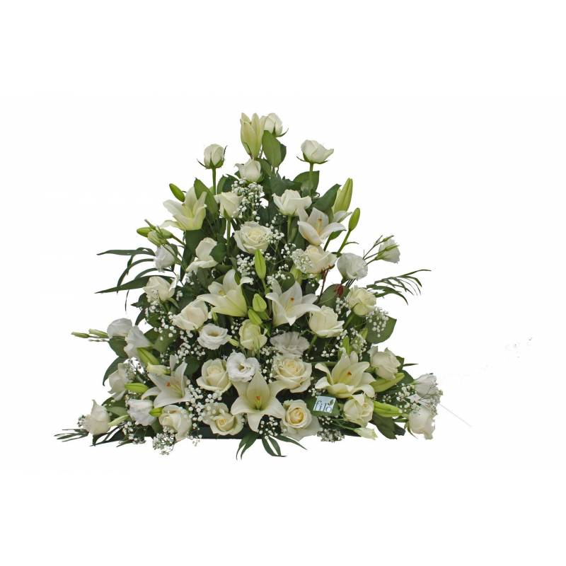"""Kleio"" Basket With White Flowers"