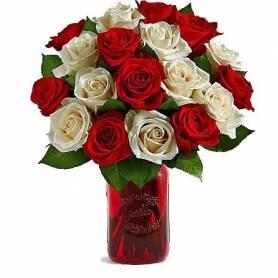 Μπουκέτο Με 18 Λευκά & Κόκκινα Τριαντάφυλλα  - 1